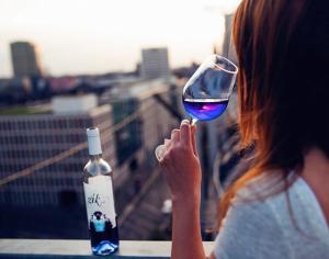 blue-wine-gik-10